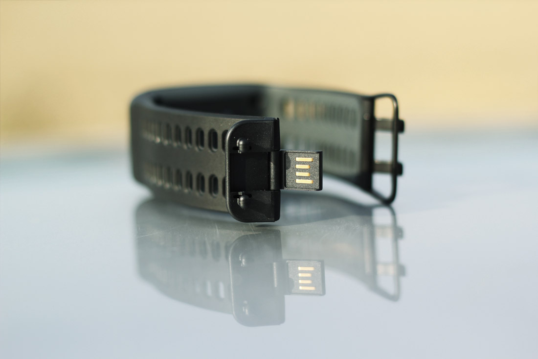 USB konektor pro připojení k počítači